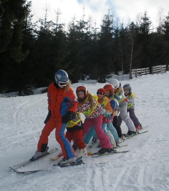 A především se naučí lyžovat! | © Dětský SKI & FUN PARK Svatý Petr