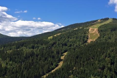 Špindlerův Mlýn nabízí mnoho zážitků v létě i v zimě